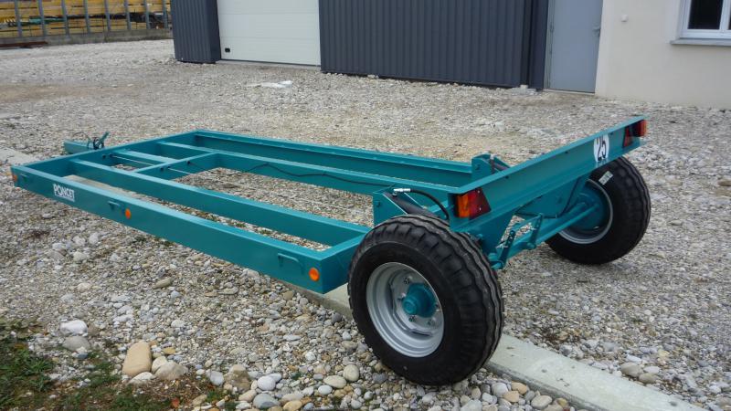 Remorque porte outil bande transporteuse caoutchouc - Remorque porte outil agricole ...